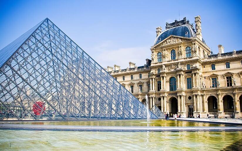 מוזיאון הלובר בפריז - עצום בגודלו
